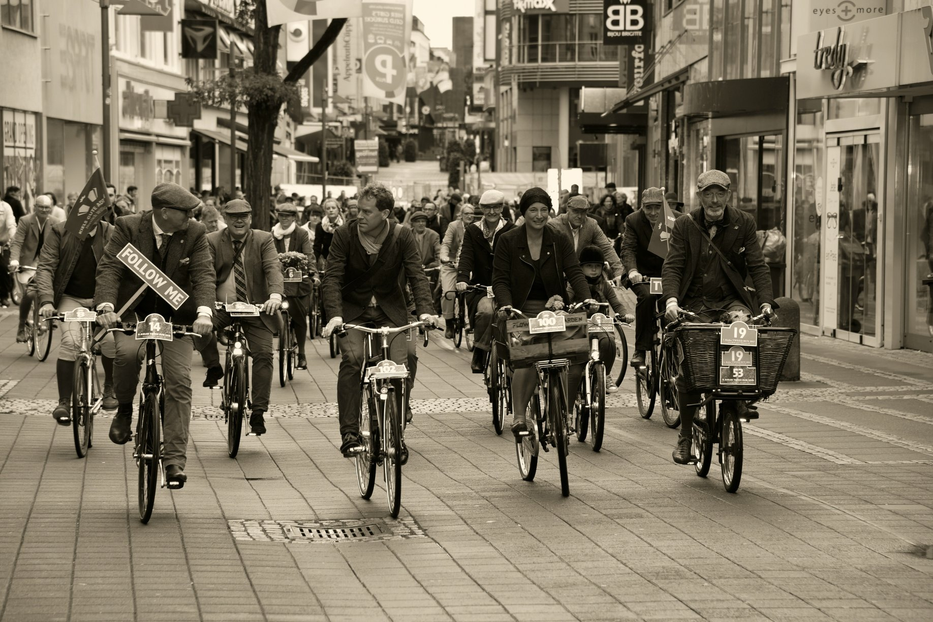 Tweed Run Kiel 2019 Holsteinstraße